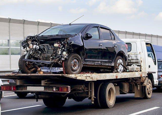 holowanie samochodu powypadku